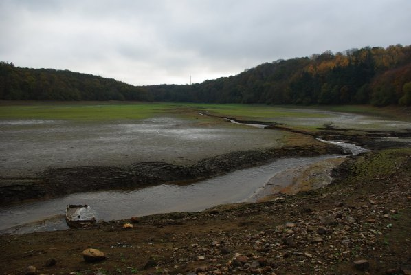 barrage et retenue d'eau  sur le Gouet  ,  pris au pont Noir à Ploufragan 2