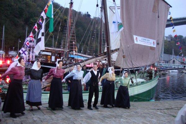 Thalassa  au port du Légué  à  Saint Brieuc   2 éme série