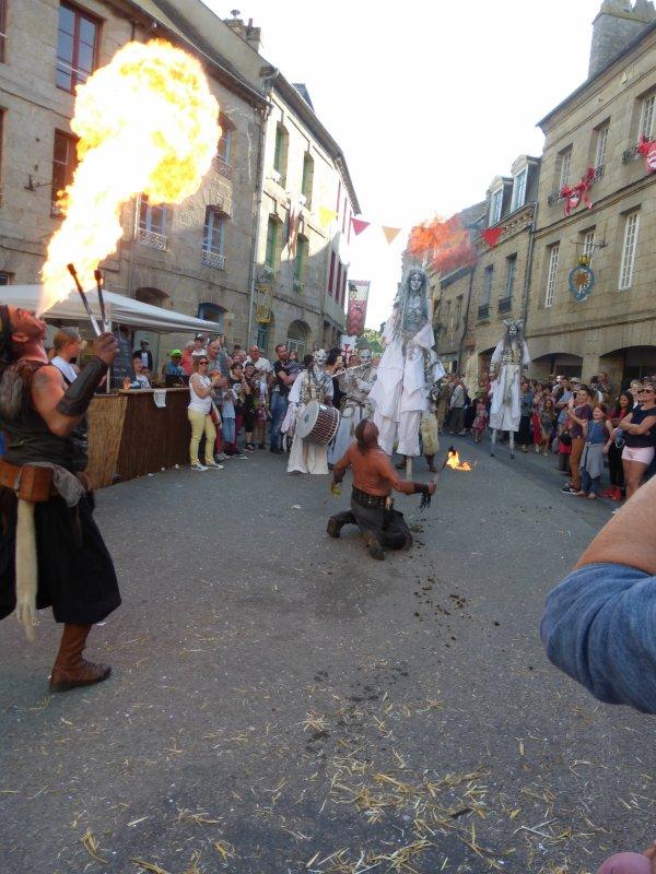 fête médiévale à Moncontour 2