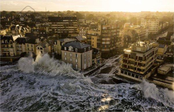 Quand  la mer  se  déchaîne  ........