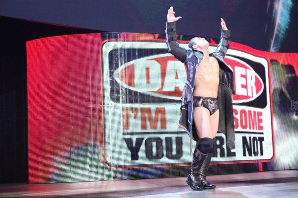 TheMiz à Raw du 16/07/2012! [+Interviews!]