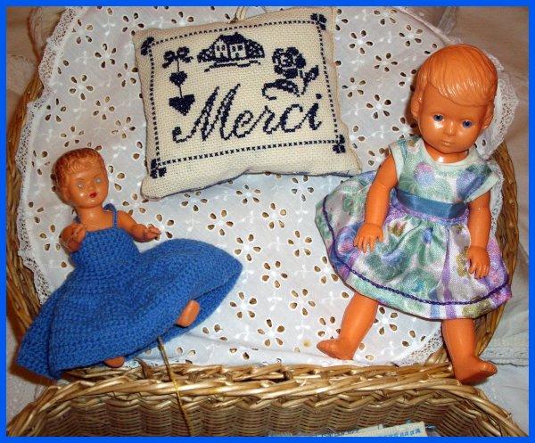 Un peu de bleu et des petits porte-aiguilles