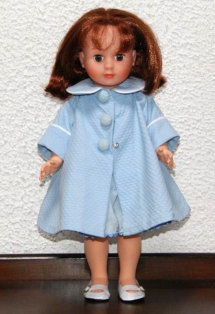 1)  Les tenues de ma nouvelle Marie-Françoise