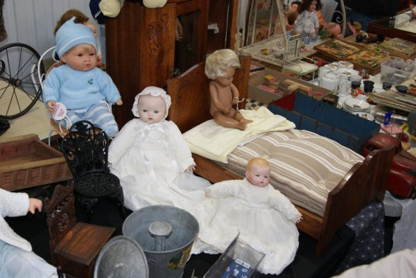 Suite de la bourse aux Poupées et jouets anciens à Wambrechies