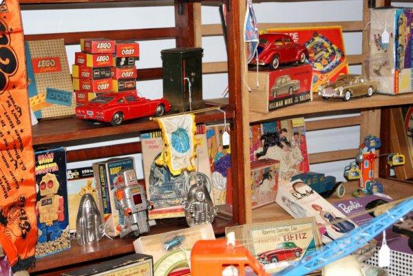 Wambrechies suite : des jouets anciens