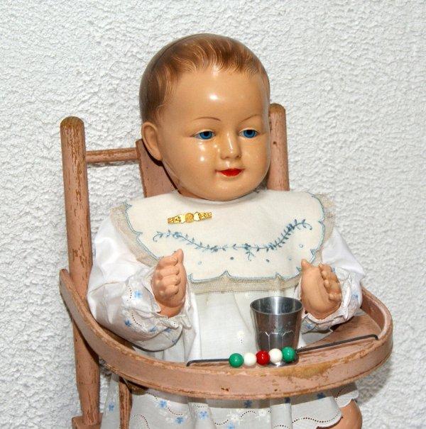 François Xavier et sa petite chaise