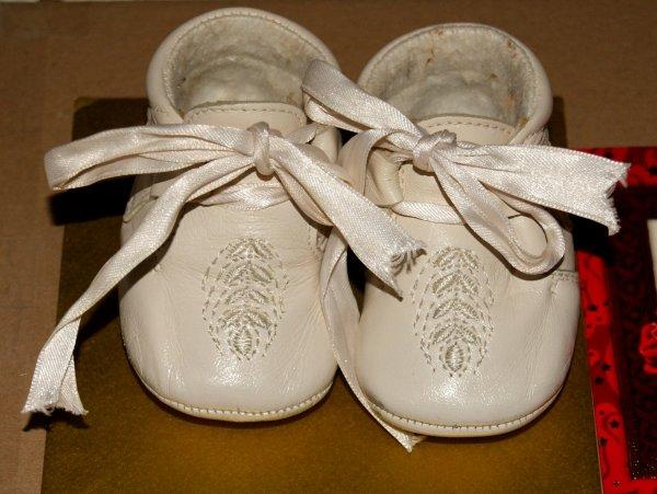 De nouvelles petites chaussures