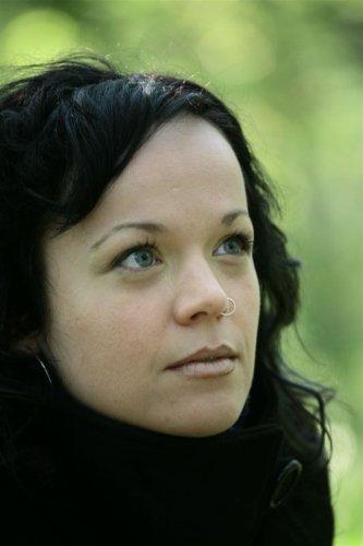 Allison Crowe, auteure-compositrice-interprète native du Canada