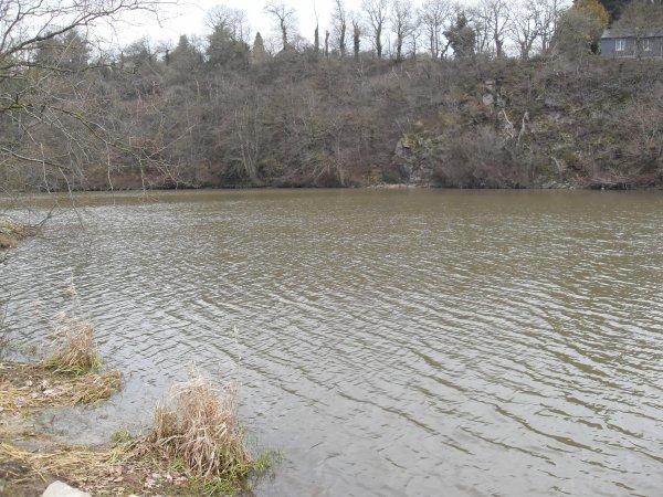 Le Lac de barrage de Rophémel à sont niveau normale.