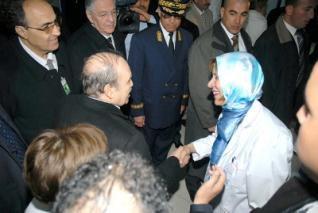 Abdelaziz Bouteflika répond à ses opposants