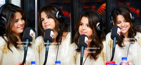 3 septembre 2012 : Selena à Paris !   Selena Gomez était a Paris le 03.09 où elle a passé la journée avant de ce rendre le 04.09 à Venise en Italie pour la première de son film Spring Breakers. Des photos de la belle chez NRJ ainsi qu'avec ses fans.