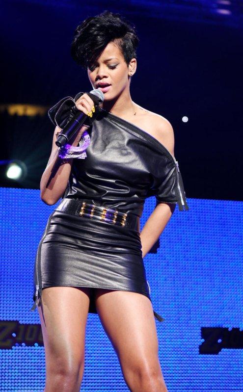 Rihanna 012
