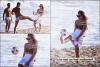18/04/12 : La petite starlette profite de la sublime plage avec ses amis à Rio de Janeiro (Brésil). Quoi de mieux q'une virez à plage accompagner de charmant garçons ? Demi a tout compris . Vos avis sur les photos  ?!