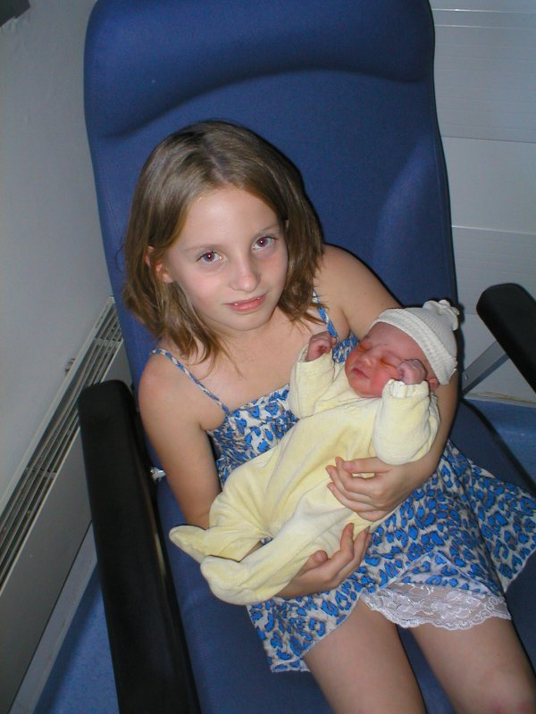 léa née le 08 08 2011