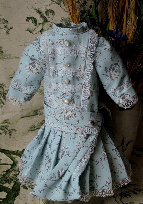 Robe en soie et coton dentelles anciennes