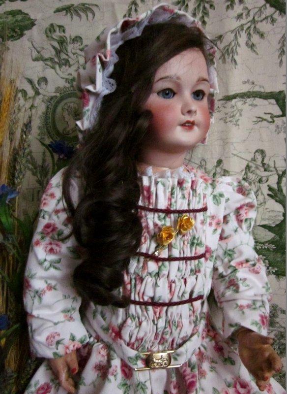 Robe pour ma poupée ancienne en porcelaine