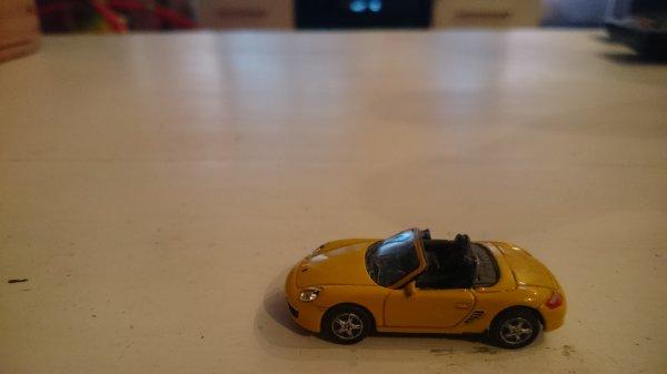 La Porsche Boxter S aura aussi ça place sur le réseau