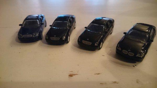 Lots Mercedes et BMW donneront très certainement lieu à reproduire une scénette d'un film bien connu dans le monde du cinéma