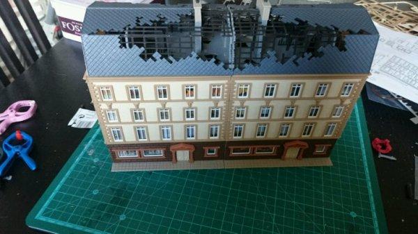 Suite et fin de la construction de l'immeuble acheté à mini world Lyon