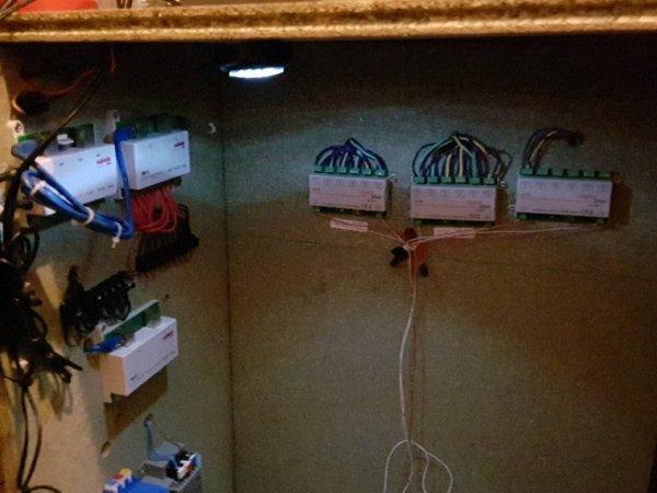 Pose des premiers décodeurs d'aiguillage et retro-signalisation