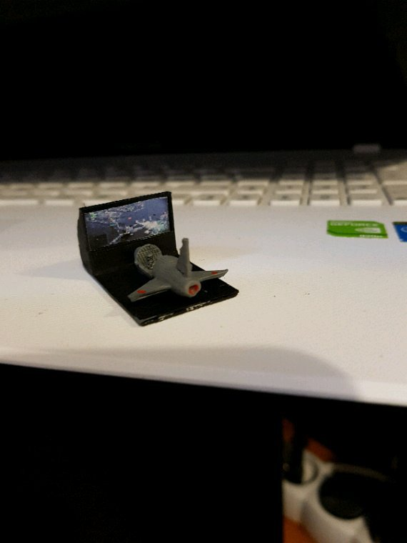 Mise en peinture et déco du premier simulateur de vol pour le stand de jeux vidéos