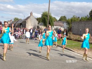 défilé de Saint thibault (60)