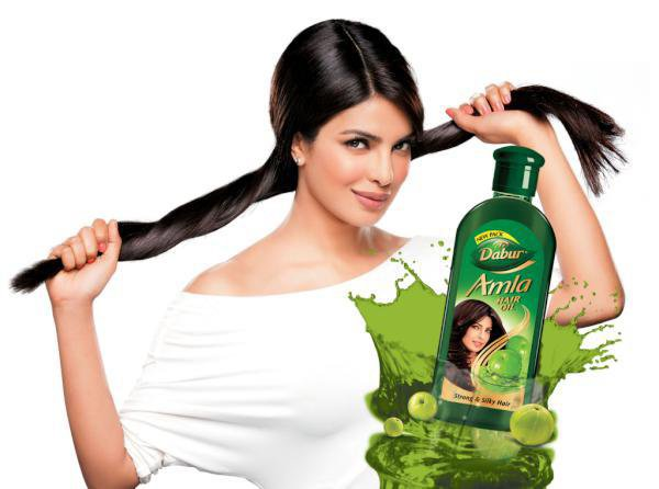Priyanka dans une pub pour dabur amla