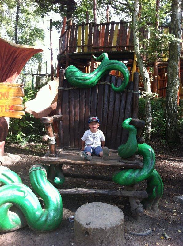 nous au parc astérix aout 2012