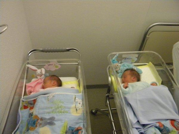 voila le 27/11/2013 ,es arriver dans notre vie deux petites merveilles ,ethan et louane !!!!!