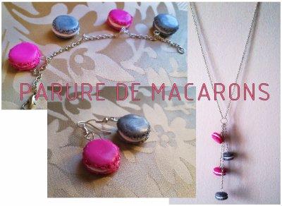 Sautoir, Boucles d'oreilles et Bracelet de macarons roses et gris