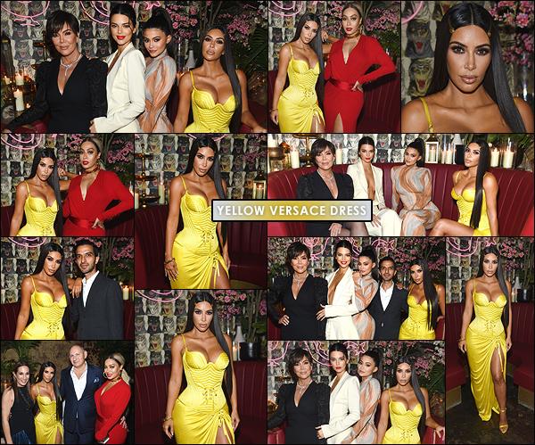 - -• 08/05/18-' : Kim était au dîner « The Business Of Fashion », afin d'y célébrer la sortie numéro - The Age Of Influence.Kim était accompagnée de ses s½urs Kendall et Kylie, ainsi que de sa mère Kris. Elle portait une sublime robe jaune canari signée Versace, c'est un top ! -