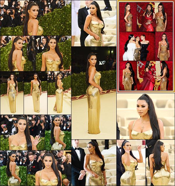 - -• 07/05/18-' : Kim Kardashian-West était présente au « MET Gala » se déroulant au Metropolitan Museum of Art de NY.Comme chaque année au MET Gala, la tenue de Kim K. fait beaucoup parler. Elle portait une ravissante robe dorée signée Versace, c'est un énorme top ! -