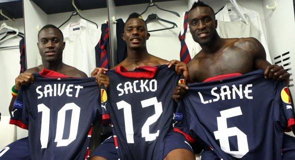 Maillot 2013-2014 porté par Lamine Sané en Europa League