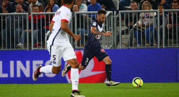 Maillot 2015-2016 porté par Diego Contento en Ligue 1  face au PSG ( fin de saison avec le flocage sweatcom)