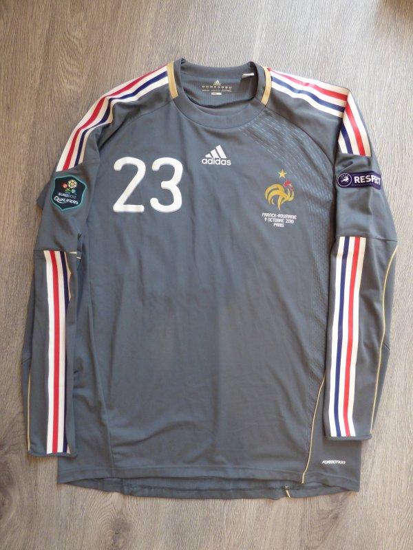 Maillot préparé pour Cédric Carrasso le 9 Octobre 2010 à l'occasion du Match France-Roumanie