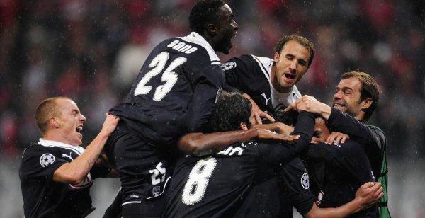 Maillot préparé pour Abdou Traoré en 2009-2010 en Ligue des Champions