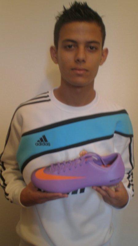 Nike Mercurial violet !! wow