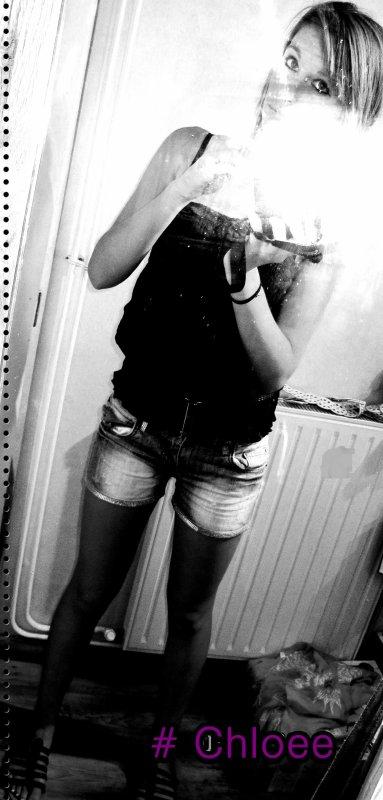 # . Chloé ☮
