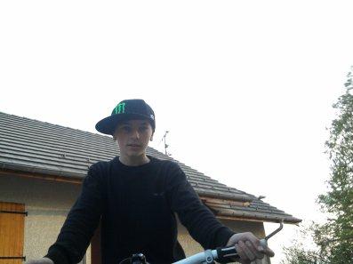 Dorian ; Célib' ; Fan de vtt ; 13 ans