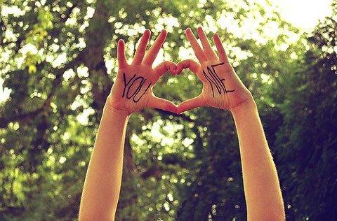 ll n'y a rien de pire que d'aimer quelqu'un qui n'arrête pas de vous décevoir. -          Dr House !