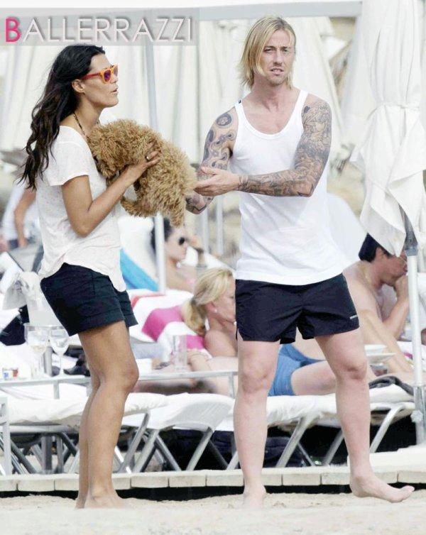 Fooball : Guti, son chien, sa copine en vacances à Ibizaaaaa