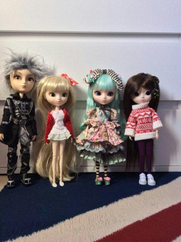 Ma doll family