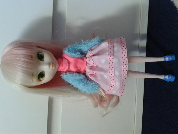 Valentina avec sa nouvelle jupe