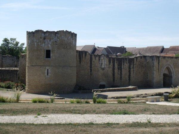 les abords du château 1