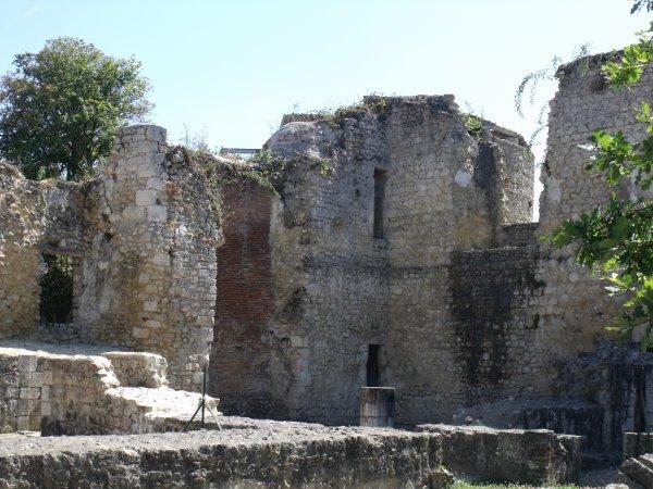 les abords du château 2