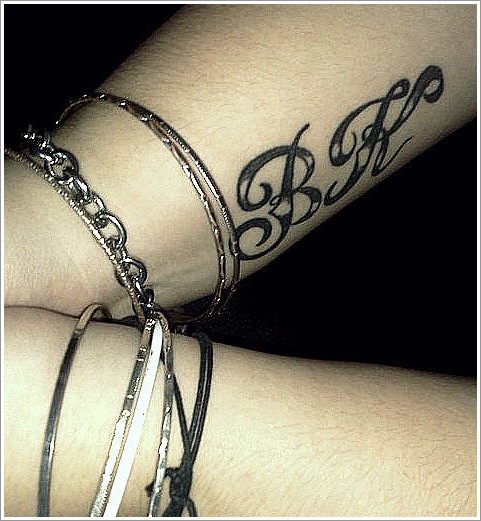 "(438)Tatouage de fan - ""BK"""