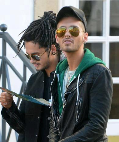 (1383)Tom et Bill