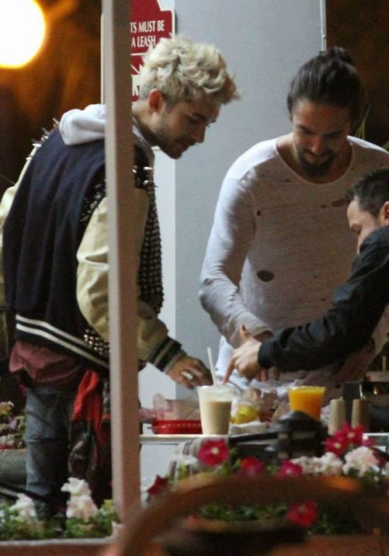 Bill et Tom au AstroBurguer - West Hollywood, USA 14.06.2014