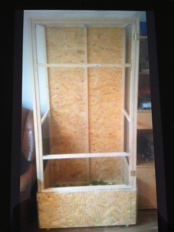 fabrication de mon terrarium pour mon camèlèon ( 4 ) ....