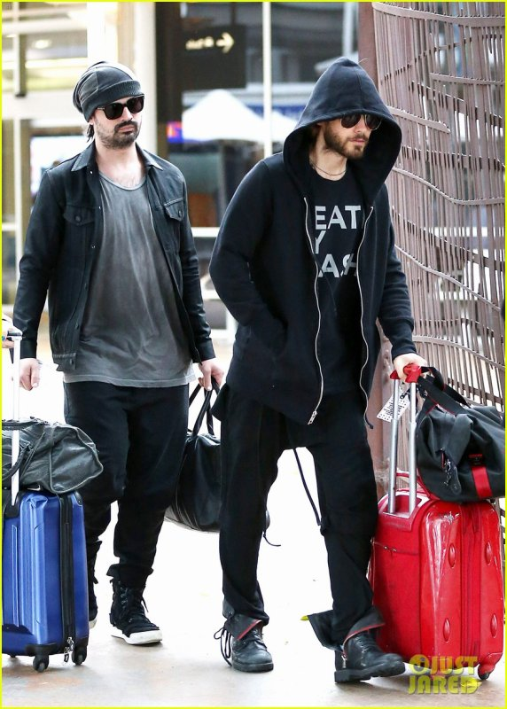 Jared & Tomo At Sydney Airport – 24 Mars 2014
